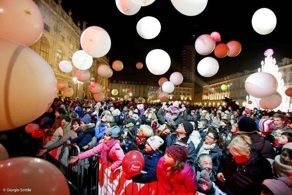 piazza Castello - spettacolo Andromeda di Flic Circo (ph Giorgio Sottile)