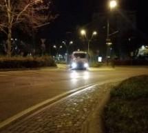 Le strade della città lavate e igienizzate la notte scorsa