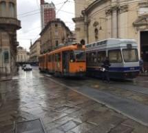 Scontro tra due tram in via Pietro Micca