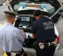 Polizia municipale, aumentano i controlli sulle auto immatricolate all'estero