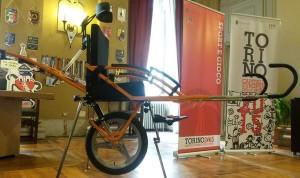 La speciale carrozzina da trekking del CAI Torino