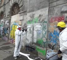 Murazzi, al via il cantiere per l'eliminazione dei graffiti