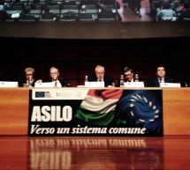 """Assemblea Anci, Fassino: """"Un piano per accogliere i migranti"""""""