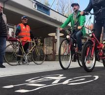 Inaugurata la pista ciclabile di corso Vercelli