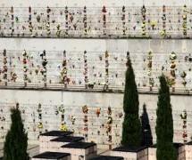 Commemorazione dei defunti: orari e celebrazioni nei cimiteri cittadini