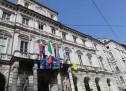 Bandiere a mezz'asta a Palazzo civico per la morte dell'Ambasciatore Attanasio e del Carabiniere Iacovacci