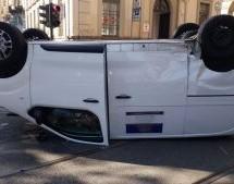 Incidente in corso San Maurizio, autocarro si ribalta