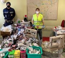In via La Salle la Polizia municipale scopre una sartoria abusiva di capi contraffatti