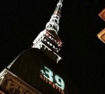 """Il 29 maggio, la scritta """"+39 RISPETTO"""" sulla Mole Antonelliana in omaggio alle vittime dell'Heysel"""