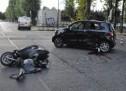 Scontro tra scooter e auto. Grave il centauro ricoverato in rianimazione