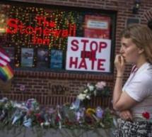 Sit in davanti al Comune per le vittime di Orlando