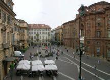Piazze auliche vietate a bancarelle, stand e gazebo