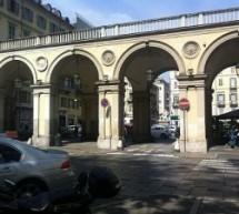 Mercato dei produttori agricoli sotto i portici di piazza Carlo Felice