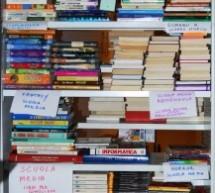 Il piacere di donare libri alle biblioteche scolastiche