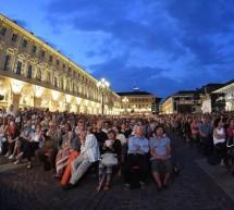 """In migliaia per la """"classica"""" in piazza"""